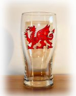 Dragon Glass, Welsh DRagon Glass, Welsh Glass, Wales Glass, Wales Pint, Welsh Pint, Welsh Beer