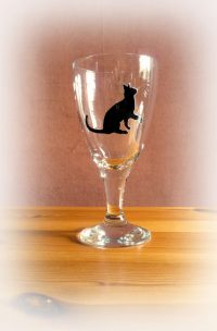 Cat glassware, cat design, cat glass.