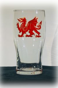 Dragon Pint, Welsh Pint, Welsh glass, Pint Glass