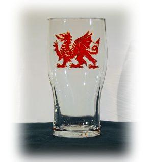 Dragon Pint, Welsh Pint, Welsh glass, Pint Glass