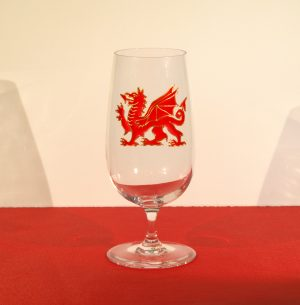 Welsh Glass, Dragon Glass, Wales Glass, Red Dragon Glass, Welsh Beer, Beer Glass